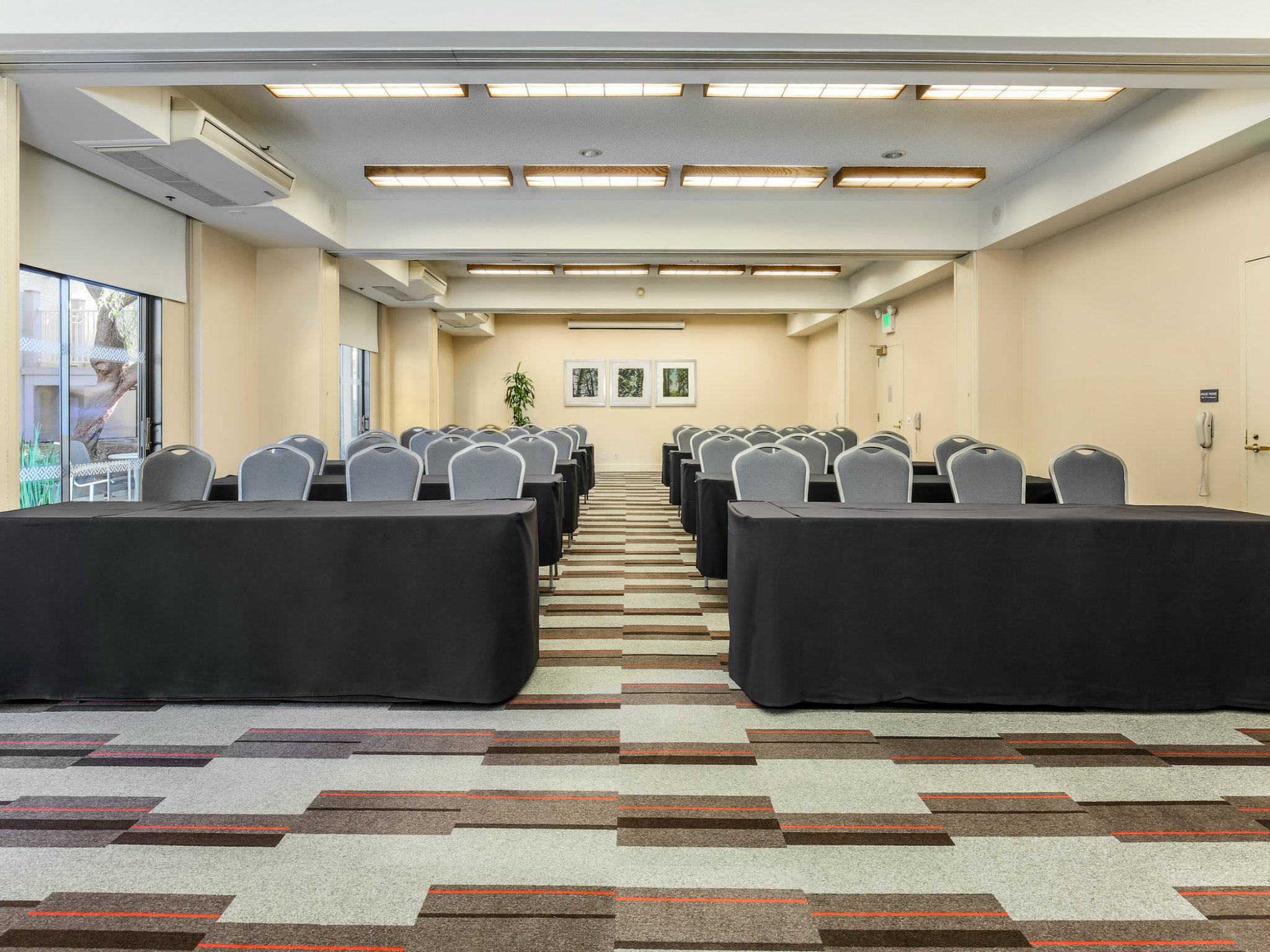 Pleasanton Meeting Space - Meeting Room